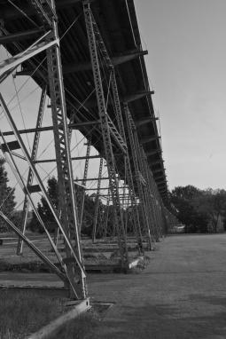 Walnut St Bridge Tail