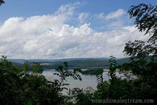 Roadside view of Lake Nickajack